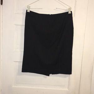 Pinstriped Black worthington stretch size 8 skirt